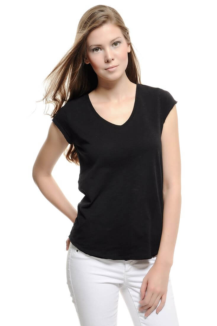 Bayan Siyah V Yaka Basic Tişört