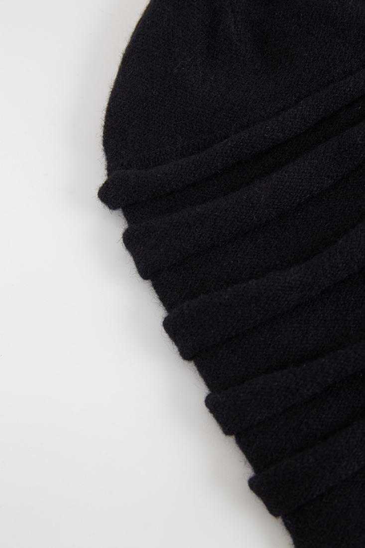 Bayan Siyah Yatay Çizgi Detaylı Bere