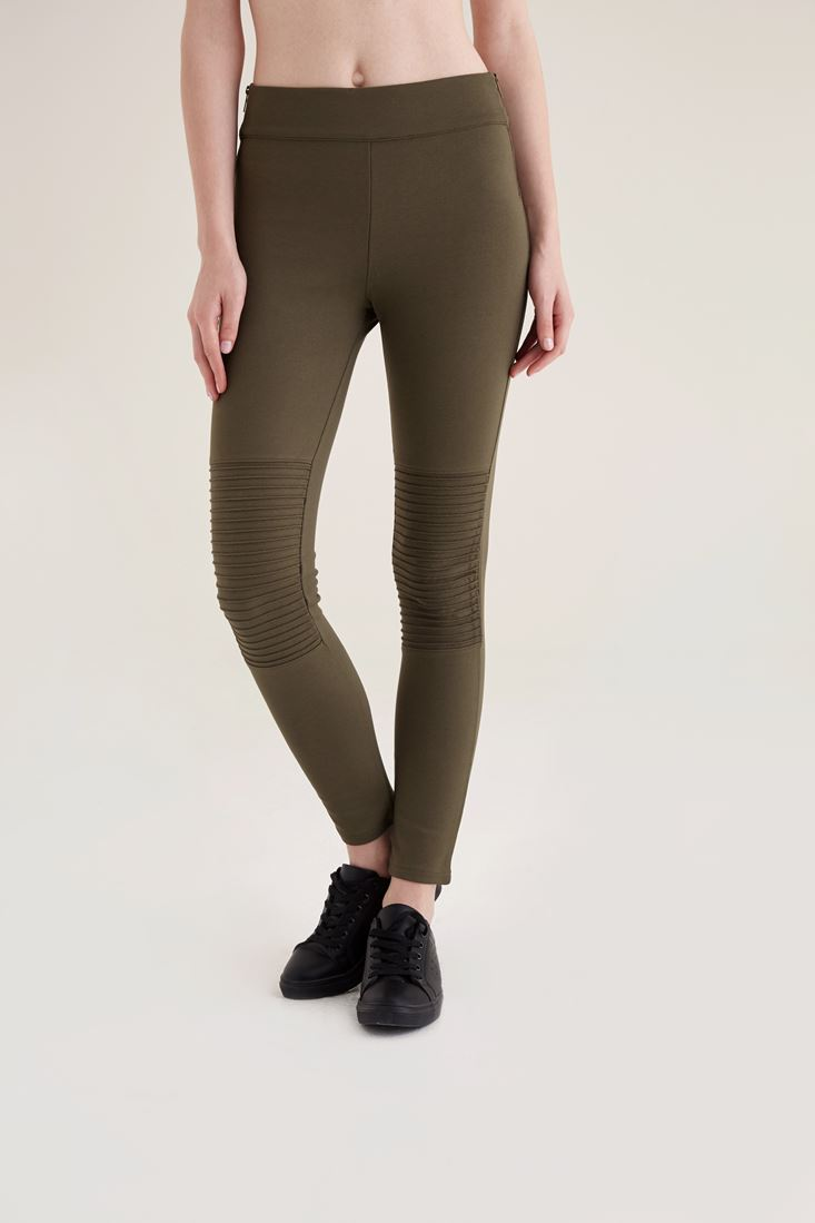 Green Flicked Detailed Tights