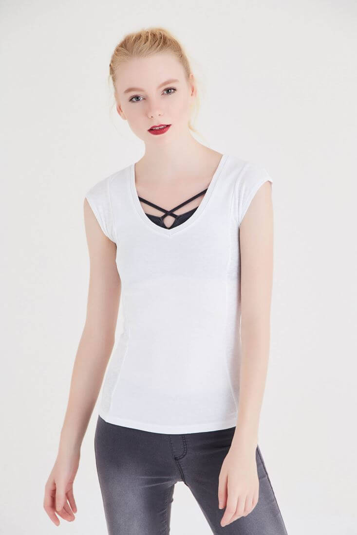 Bayan Beyaz Geniş Yaka Basic Tişört