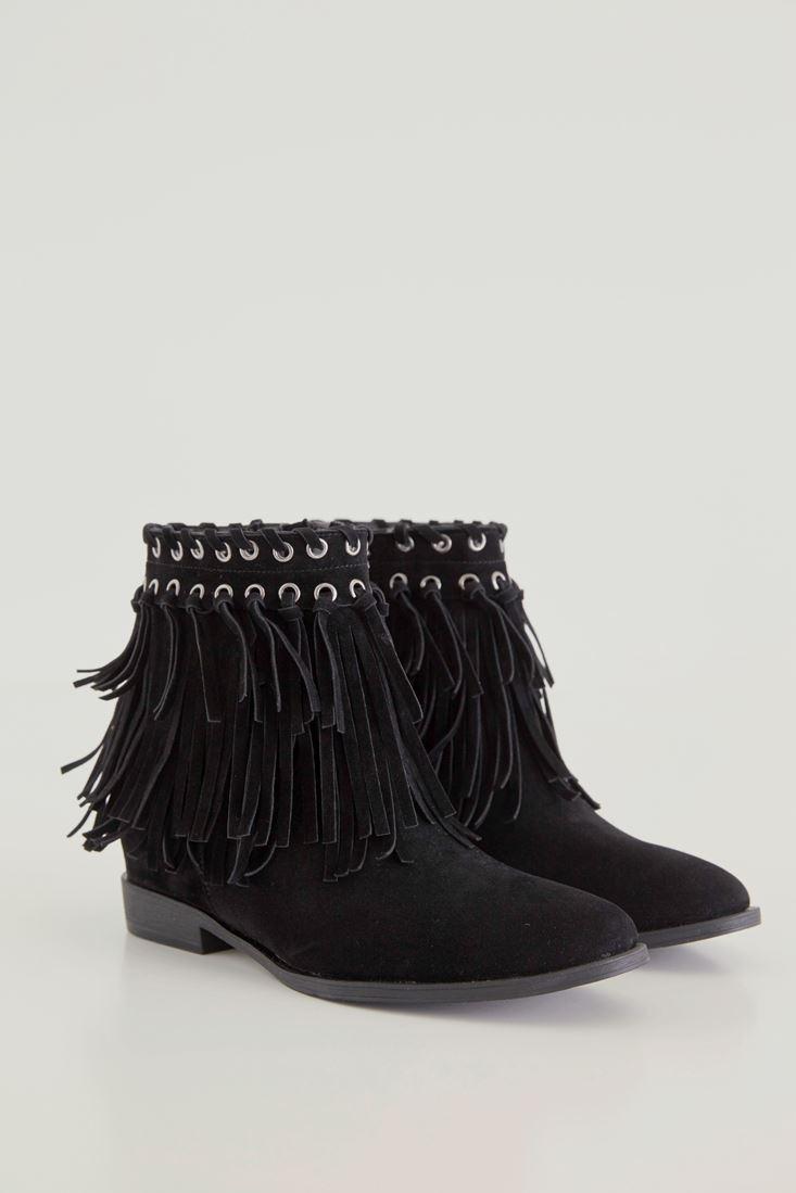 Black Tasseled Boots With Eyeled