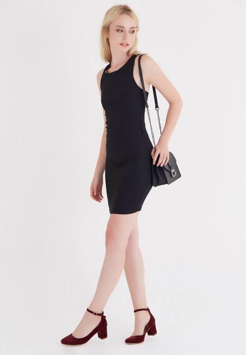 Sırt Dekolteli Mini Elbise