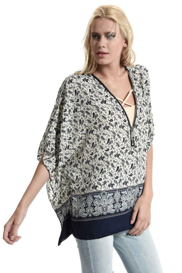 Bayan Krem Şal Desenli Önü Fermuarlı Bluz