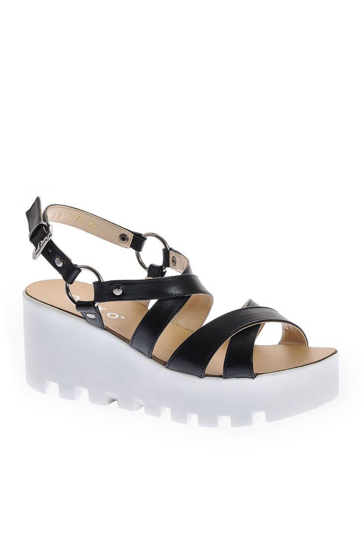 Bayan Siyah Çapraz Bantlı Yüksek Sandalet