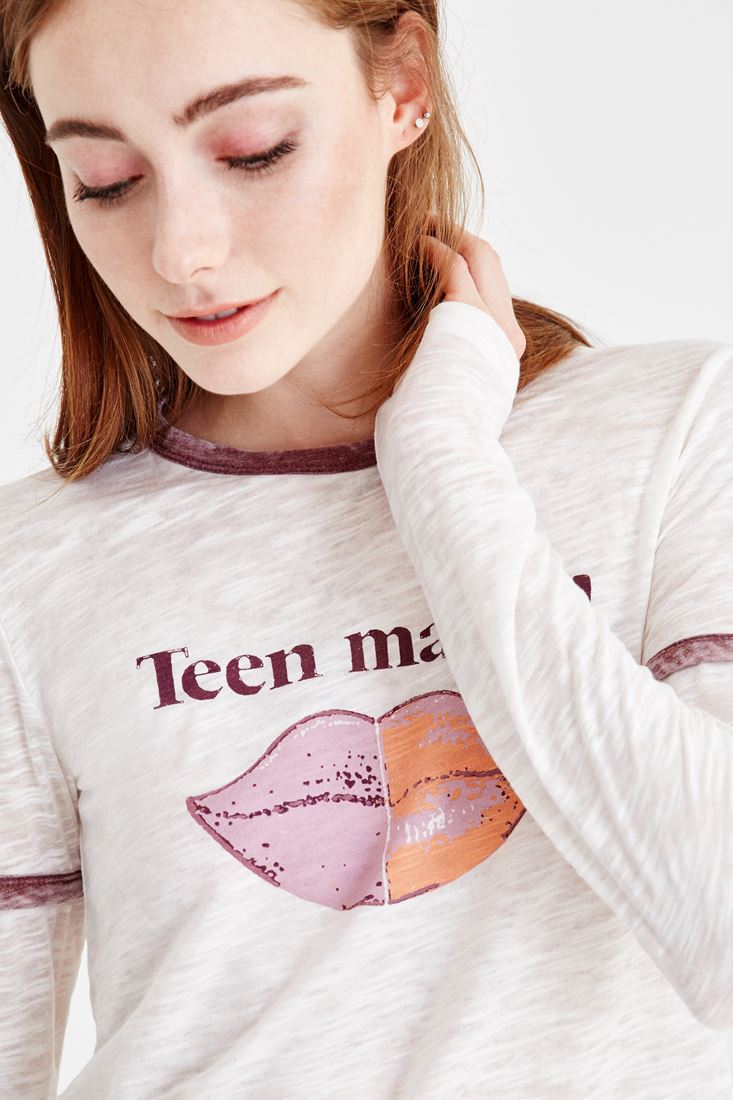 Krem Dudak Baskılı Tişört