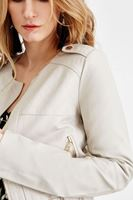 Bayan Gri Renkli Kısa Deri Ceket