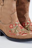 Bayan Kahverengi Çiçek Nakışlı Bot