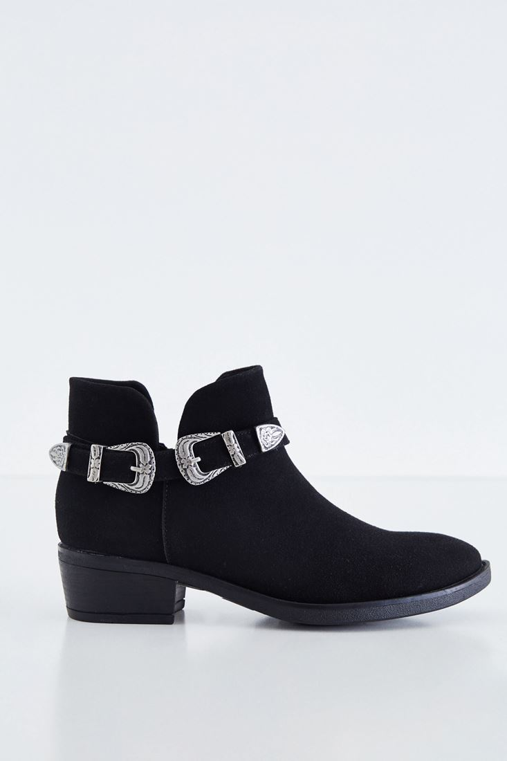 Black Boot With Twin Buckle Detail