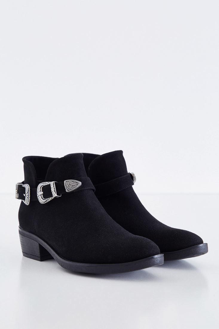Women Black Boot With Twin Buckle Detail