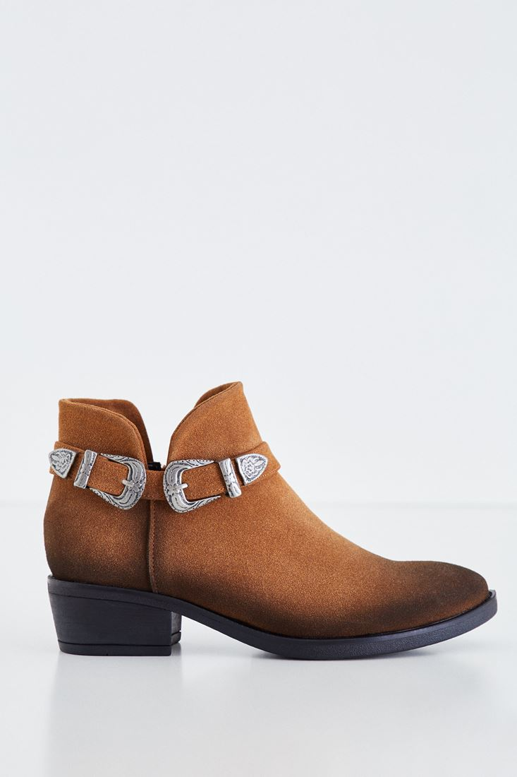 Brown Boot With Twin Buckle Detail