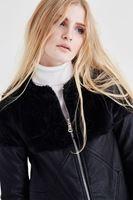 Bayan Siyah Kürk Detaylı Deri Ceket