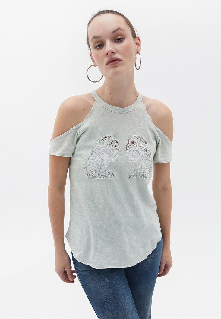 Yeşil Dantelli Omuzları Detaylı Tişört