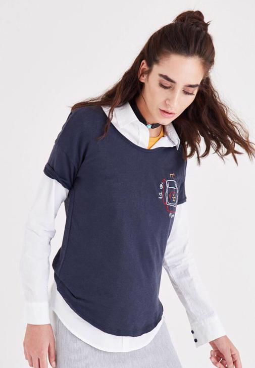Lacivert Nakış Detaylı Tişört