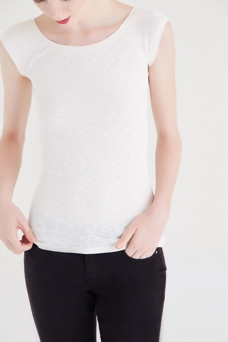 Bayan Krem Bot Yaka Kısa Kollu Tişört