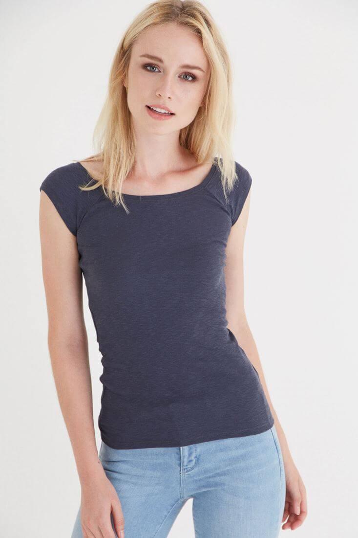 Bayan Gri Bot Yaka Kısa Kollu Tişört