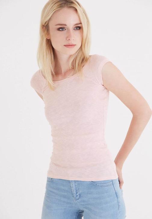 Pembe Bot Yaka Kısa Kollu Tişört
