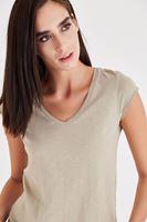 Bayan Krem V Yaka Pamuk Tişört