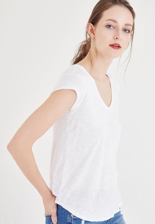 Beyaz V Yaka Pamuk Tişört