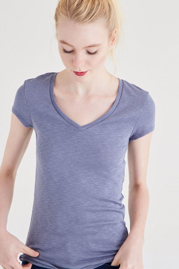 Bayan Gri Basic V Yaka Tişört