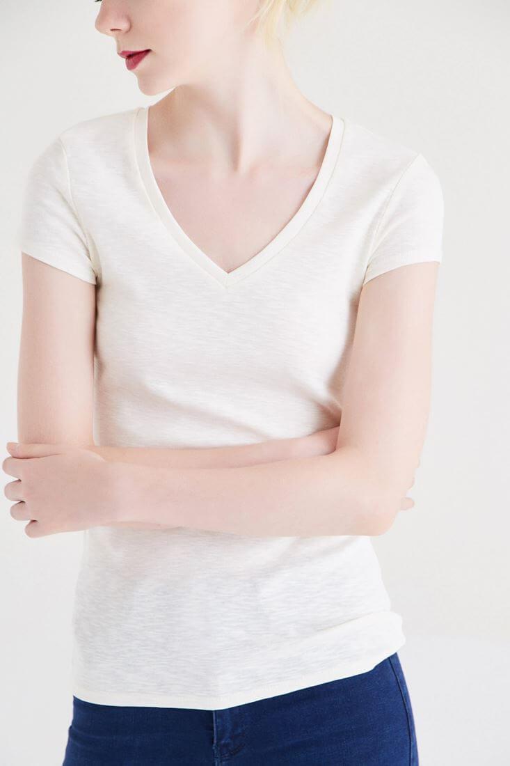 Bayan Krem Basic V Yaka Tişört