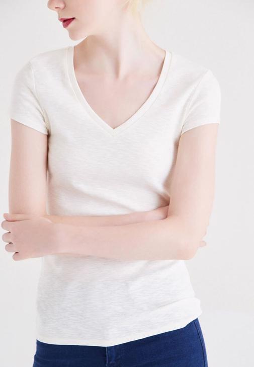 Krem Basic V Yaka Tişört