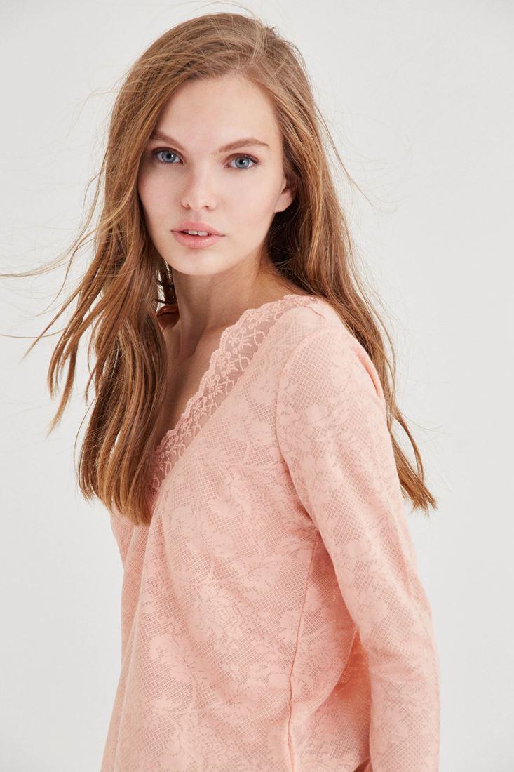 Bayan Pembe Yakası Dantel Detaylı Bluz