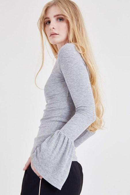 Gri Kol Detaylı Bluz