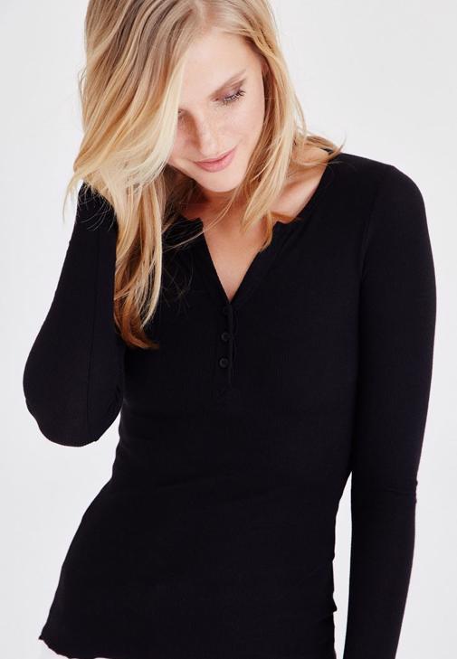 Siyah Düğmeli Uzun Kollu Tişört