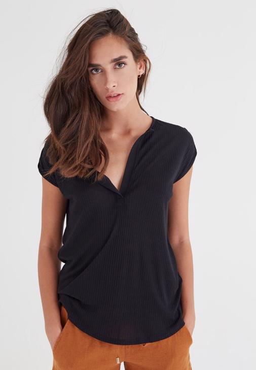 Siyah V Yaka Bol Kesim Tişört