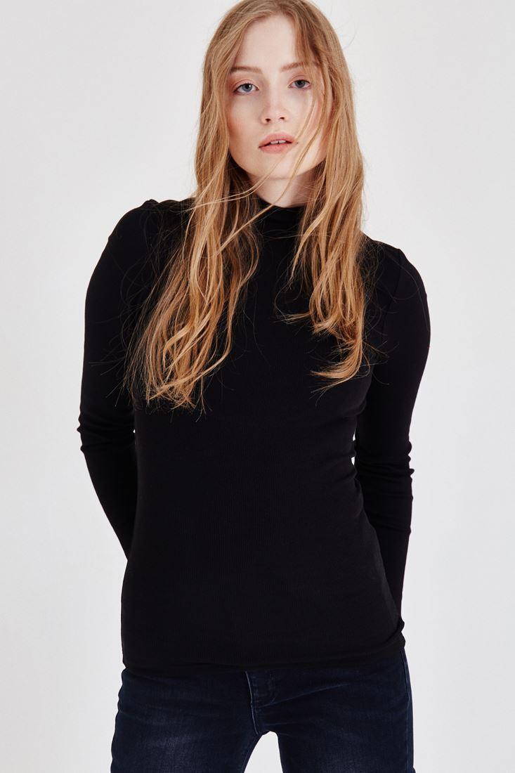 Bayan Siyah Uzun Kollu Boğazlı Tişört