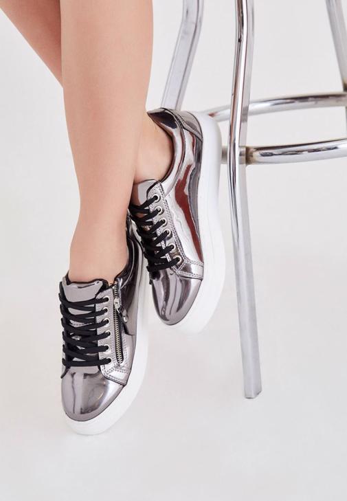 Gri Metalik Spor Ayakkabı