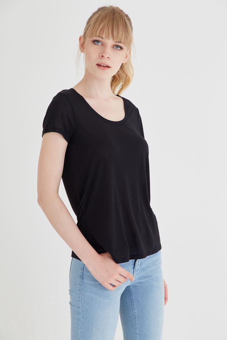 Bayan Siyah U Yaka Tişört