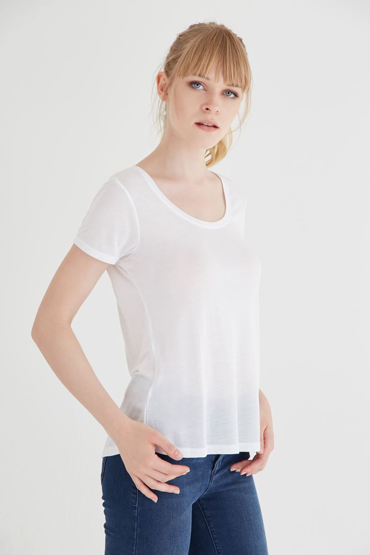 Bayan Beyaz U Yaka Tişört