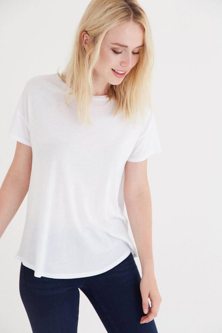 Bayan Beyaz Bisiklet Yaka Tişört