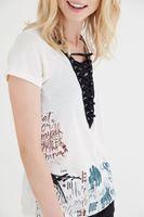 Bayan Krem Baskılı Bağcıklı Tişört
