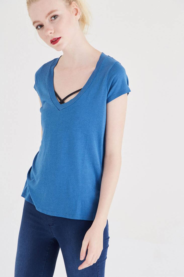 Bayan Mavi V Yaka Modal Kısa Kollu Tişört