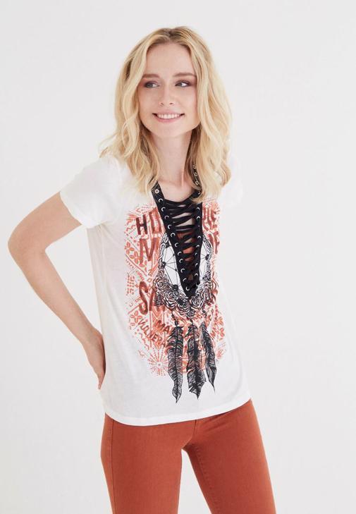 Krem Desenli Bağcık Detaylı Tişört