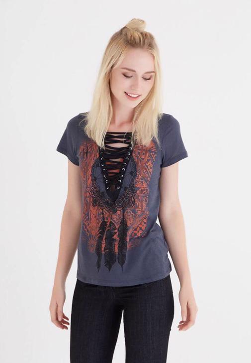 Gri Desenli Bağcık Detaylı Tişört