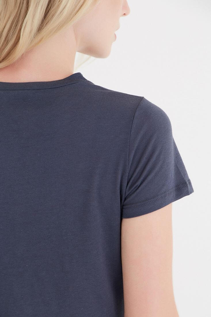 Bayan Gri Desenli Bağcık Detaylı Tişört