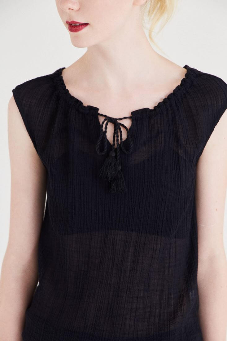 Bayan Siyah Yakası Büzgülü Bluz