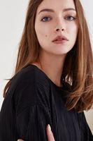Bayan Siyah Pileli Kol Detaylı Bluz