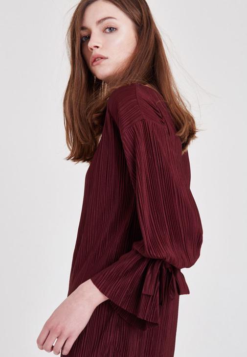 Bordo Pileli Kol Detaylı Bluz