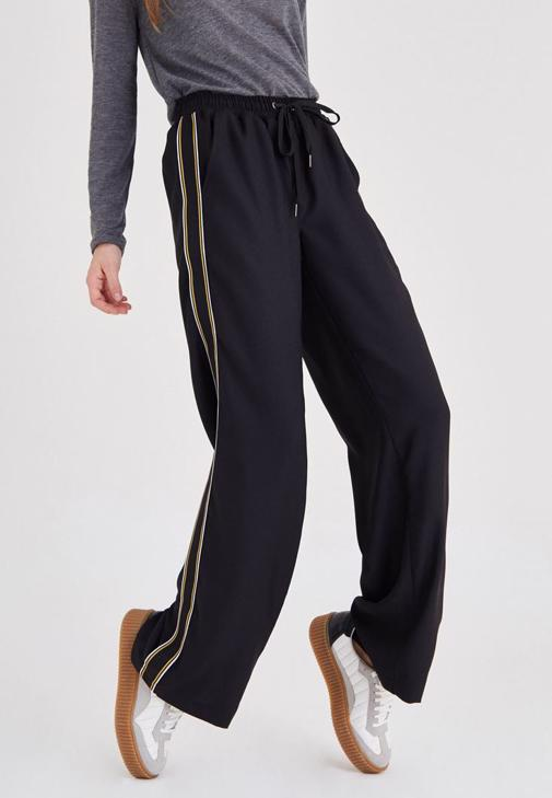 Siyah Bol Kesim Pantolon
