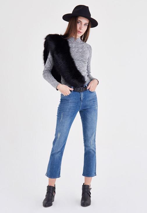 Mavi Kısa Paça Kot Pantolon