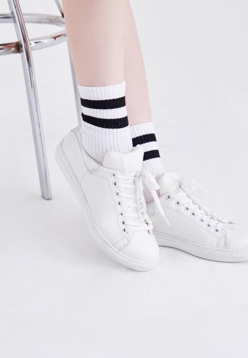 Beyaz Çizgili Çorap