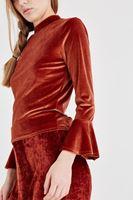 Bayan Turuncu Kolları Fırfır Detaylı Kadife Bluz