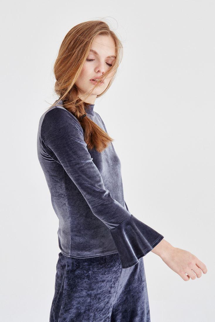 Bayan Gri Kolları Fırfır Detaylı Kadife Bluz