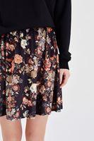 Bayan Çok Renkli Çiçek Desenli Kadife Etek