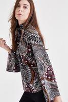 Bayan Çok Renkli Yaka Detaylı Desenli Bluz