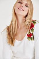 Bayan Krem Çiçek Nakışlı Triko